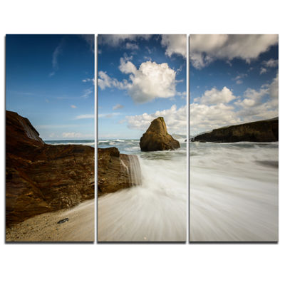 Designart Rushing Waters Into Rocky Mountains Seashore Photo Canvas Print - 3 Panels
