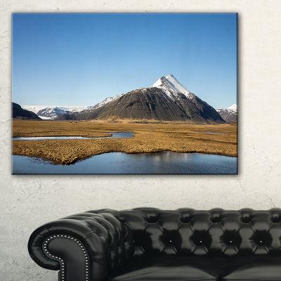 Designart Scenic Southern Iceland Landscape Photography Canvas Print