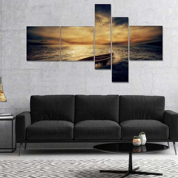 Designart Middle Of Ocean After Storm MultipanelFloral Canvas Art Print - 5 Panels