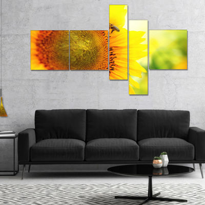 Designart Sunflower Blooming On Field MultipanelLarge Animal Canvas Art Print - 4 Panels