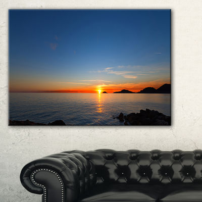 Designart Dark Sunset In Gulf Of La Spezia Seascape Canvas Art Print - 3 Panels