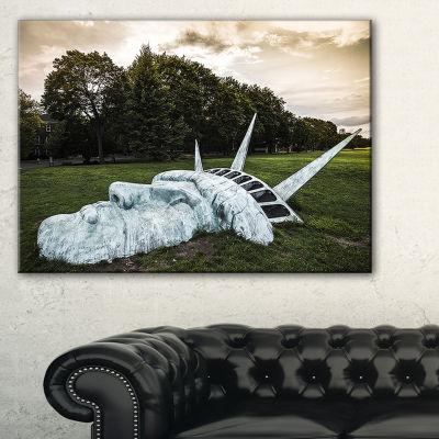 Designart Statue Of Liberty Landscape PhotographyCanvas Art Print - 3 Panels