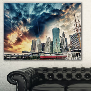 Designart Sunset Colors Of Manhattan Cityscape Photo Canvas Print