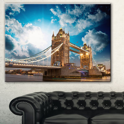 Designart Sunset Over Tower Bridge Cityscape PhotoCanvas Print - 3 Panels