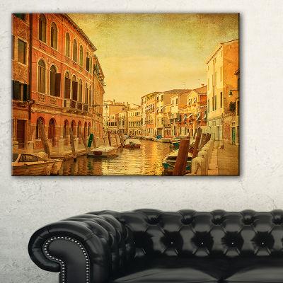 Designart Venetian Canals Vintage View Landscape Photography Canvas Print - 3 Panels