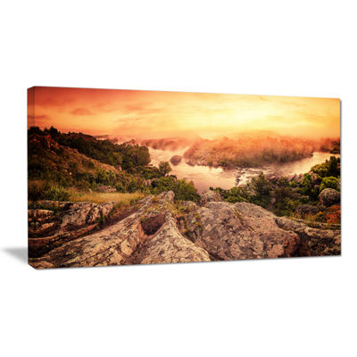 Designart Vintage Mountain Sunrise Landscape Photography Canvas Print