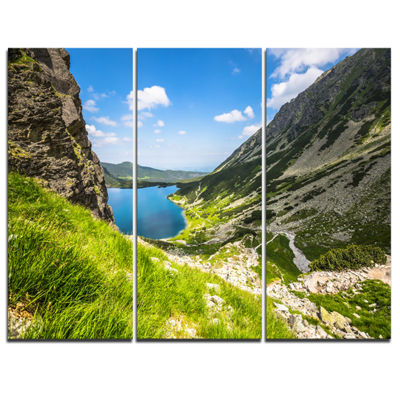 Designart Black Pond Gasienicowy Landscape PhotoCanvas Art Print - 3 Panels
