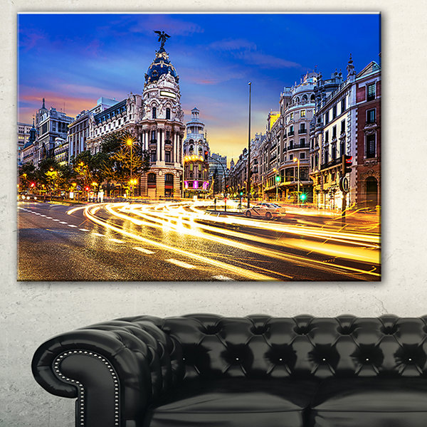 Designart madrid city center cityscape photographycanvas for Gallery mall madrid