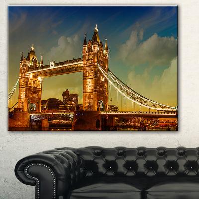 Designart Majesty Of Tower Bridge Cityscape Photography Canvas Print - 3 Panels