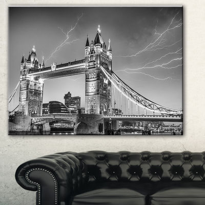 Designart Majesty Of Tower Bridge London CityscapePhoto Canvas Print