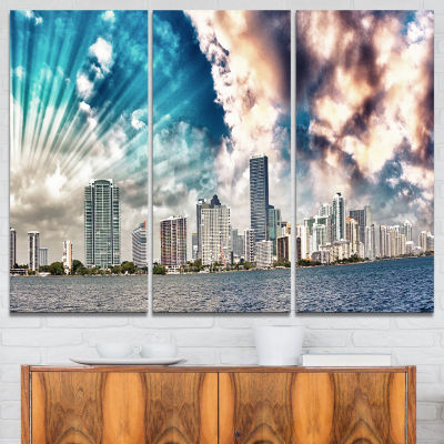 Designart Miami Skyline With Clouds Cityscape Photo Canvas Print - 3 Panels