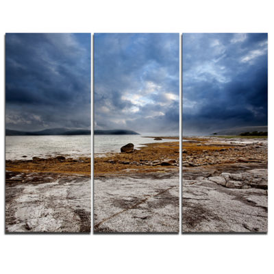 Designart Norway Ocean Coast Land Photography Landscape Canvas Print - 3 Panels