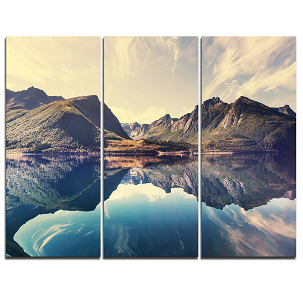 Designart Norway Summer Mountains Landscape Photography Canvas Print - 3 Panels
