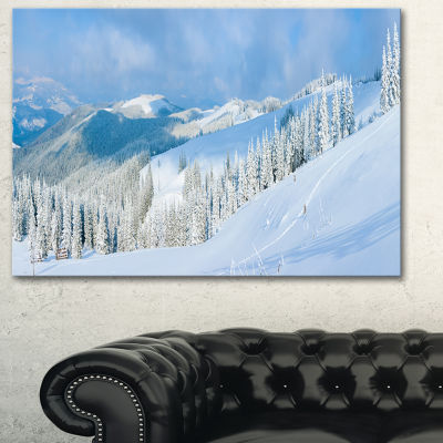 Designart Panoramic Winter Mountain Landscape Photography Canvas Print - 3 Panels