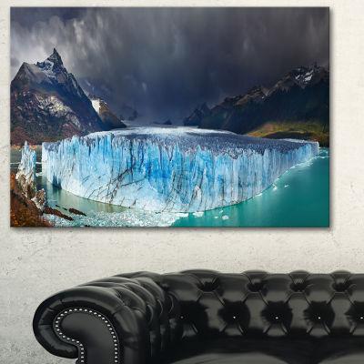 Designart Perito Moreno Glacier Large PhotographyCanvas Art Print