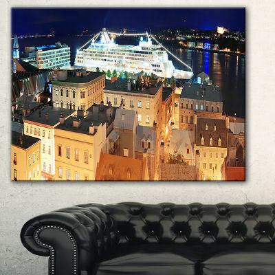 Designart Quebec City Cityscape Photo Canvas Art Print
