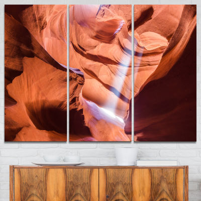Designart Light To Antelope Canyon Landscape Photography Canvas Print - 3 Panels