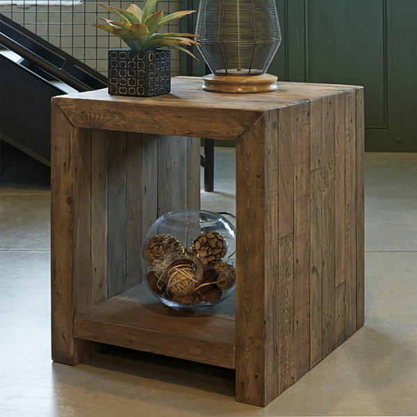 Signature Design by Ashley Sommerford End Table