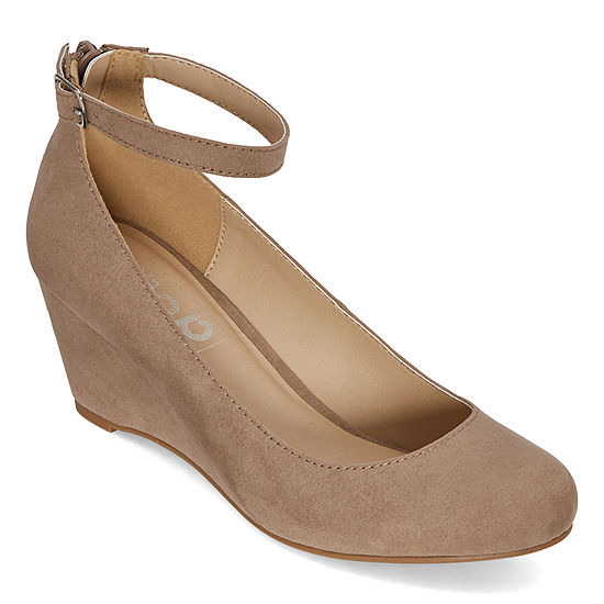 Pop Womens Legacy Closed Toe Wedge Heel Pumps