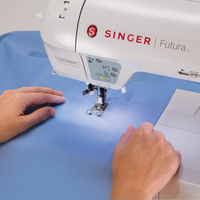 Singer Futura XL-400 Sewing and Embroidery Machine
