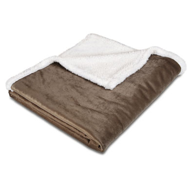 Animal Planet™ Ultra-Soft Sherpa Pet Blanket