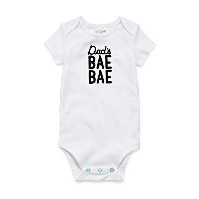 """Okie Dokie """"Dad's Bae Bae"""" Short Sleeve Slogan Bodysuit - Baby NB-24M"""
