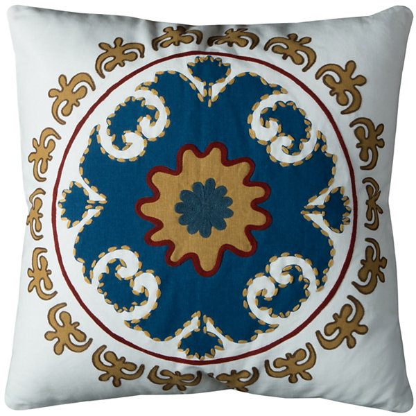 Rizzy Home Inigo Medallion Pattern Decorative Pillow