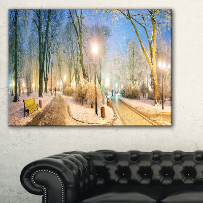 Designart Mariinsky Garden Wider View Landscape Photography Canvas Print - 3 Panels