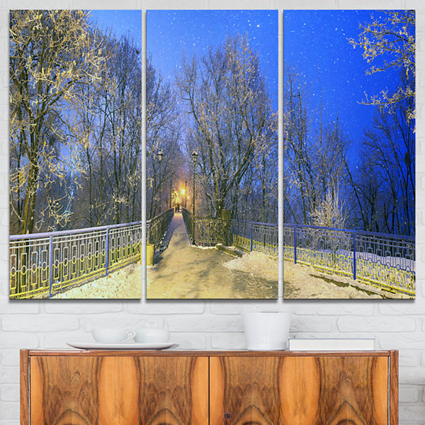 Designart Mariinsky Garden With Blue Sky LandscapePhotography Canvas Print - 3 Panels