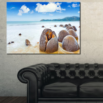Designart Midday Moeraki Boulders Seashore PhotoCanvas Art Print - 3 Panels