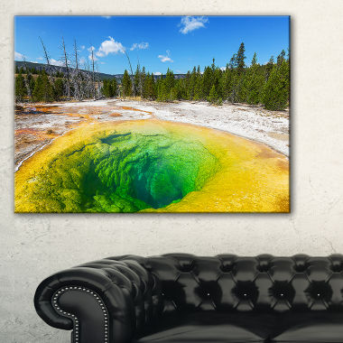Designart Morning Glory Pool Close Up Landscape Photography Canvas Print