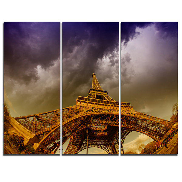 Designart Paris Eiffel Towerand Gorgeous Sky Photography Canvas Art Print - 3 Panels