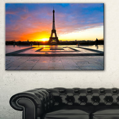 Designart Paris Eiffel Towerat Beautiful SunriseLandscape Photography Canvas Print - 3 Panels