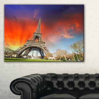 Designart Paris Eiffel Towerunder Colorful Sky Landscape Photo Canvas Art Print - 3 Panels
