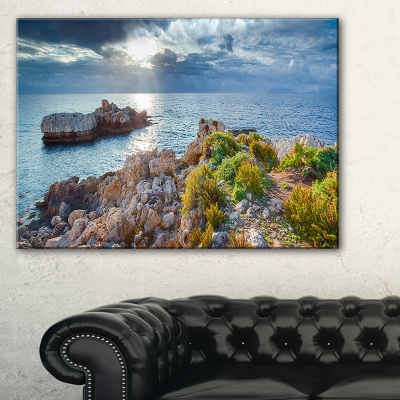 Designart Piscina Di Venere Reserve Landscape Photo Canvas Art Print