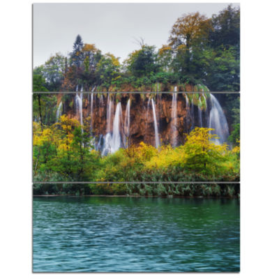 Designart Plitvice Lakes Croatia Landscape Photo Canvas Art Print - 3 Panels