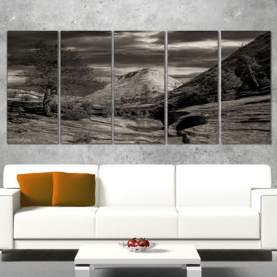 Designart Layers of Red Rock Black and White Landscape Wrapped Canvas Art Print - 5 Panels