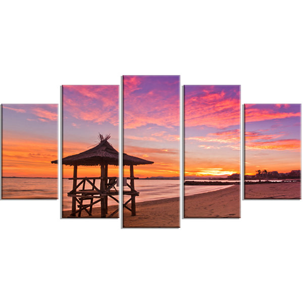Designart Lifeguard Station in Beautiful Beach Modern Seashore Wrapped Canvas Art - 5 Panels