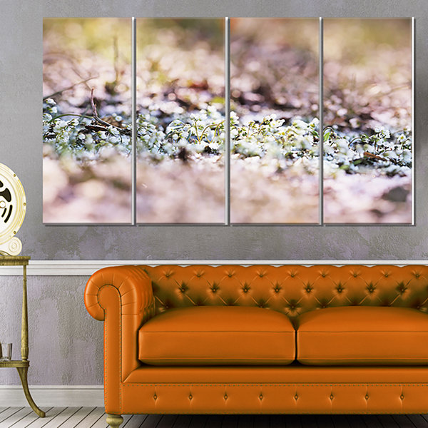 Designart Little White and Pink Flowers Large Flower CanvasArt Print - 4 Panels