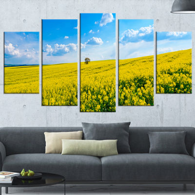 Designart Lone Tree in Blooming Cozla Park Contemporary Landscape Wrapped Canvas Art - 5 Panels