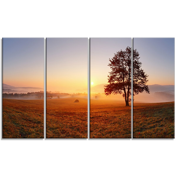 Designart Lonely Tree At Sunset Landscape Photography CanvasArt Print - 4 Panels
