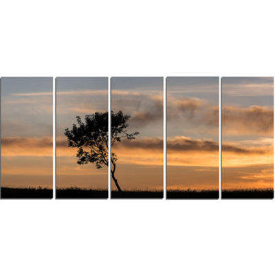 Designart Lonely Tree Silhouette Leftwards Landscape CanvasArt Print - 5 Panels
