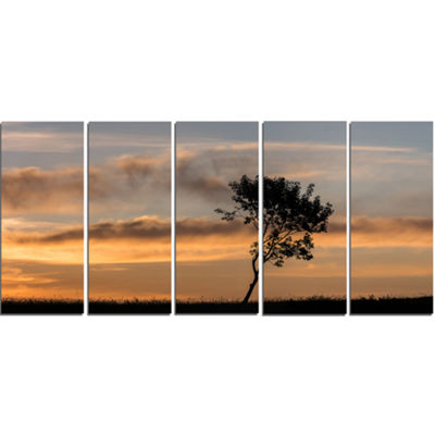 Designart Lonely Tree Silhouette Rightwards Landscape CanvasArt Print - 5 Panels