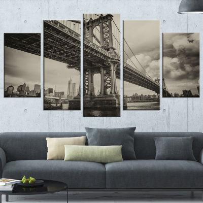 Manhattan Bridge in Dark Gray Cityscape Photo Canvas Print - 4 Panels