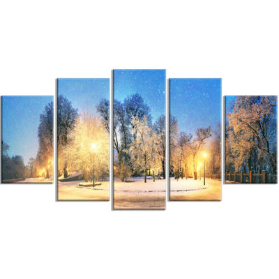 Designart Mariinsky Garden Tough Weather LandscapePhotography Canvas Print - 5 Panels