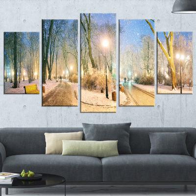 Designart Mariinsky Garden Wider View Landscape PhotographyCanvas Print - 4 Panels