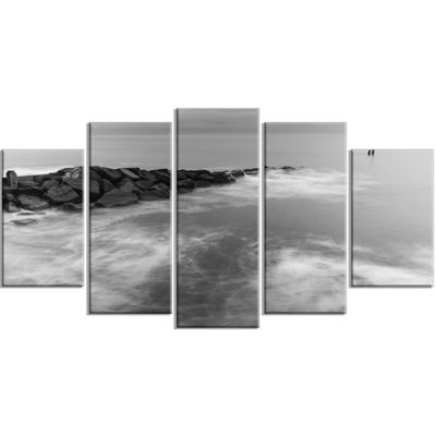 Designart Milky Waves Splashing Over Rocks ModernSeascape Wrapped Canvas Artwork - 5 Panels