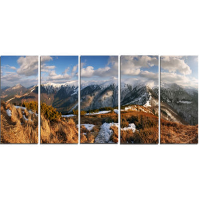 Designart Mountains With Sun At Vratna Valley Landscape Canvas Art Print - 5 Panels