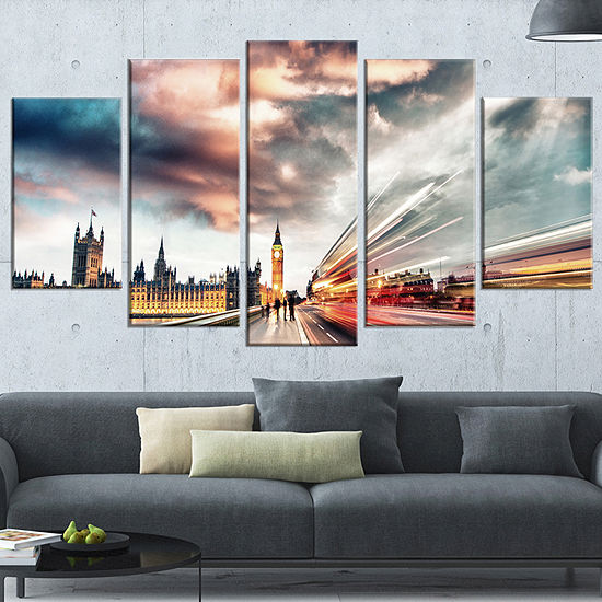 Designart Night Scene of London City Large Cityscape Photo Canvas Print - 5 Panels