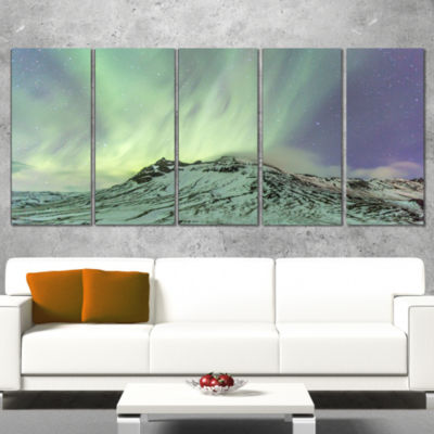 Designart Northern Light in Iceland Landscape Photo Canvas Art Print - 4 Panels